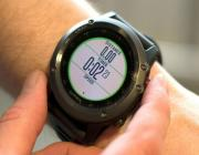 Garmin Fenix 3智能手表:比Apple Watch运动款贵